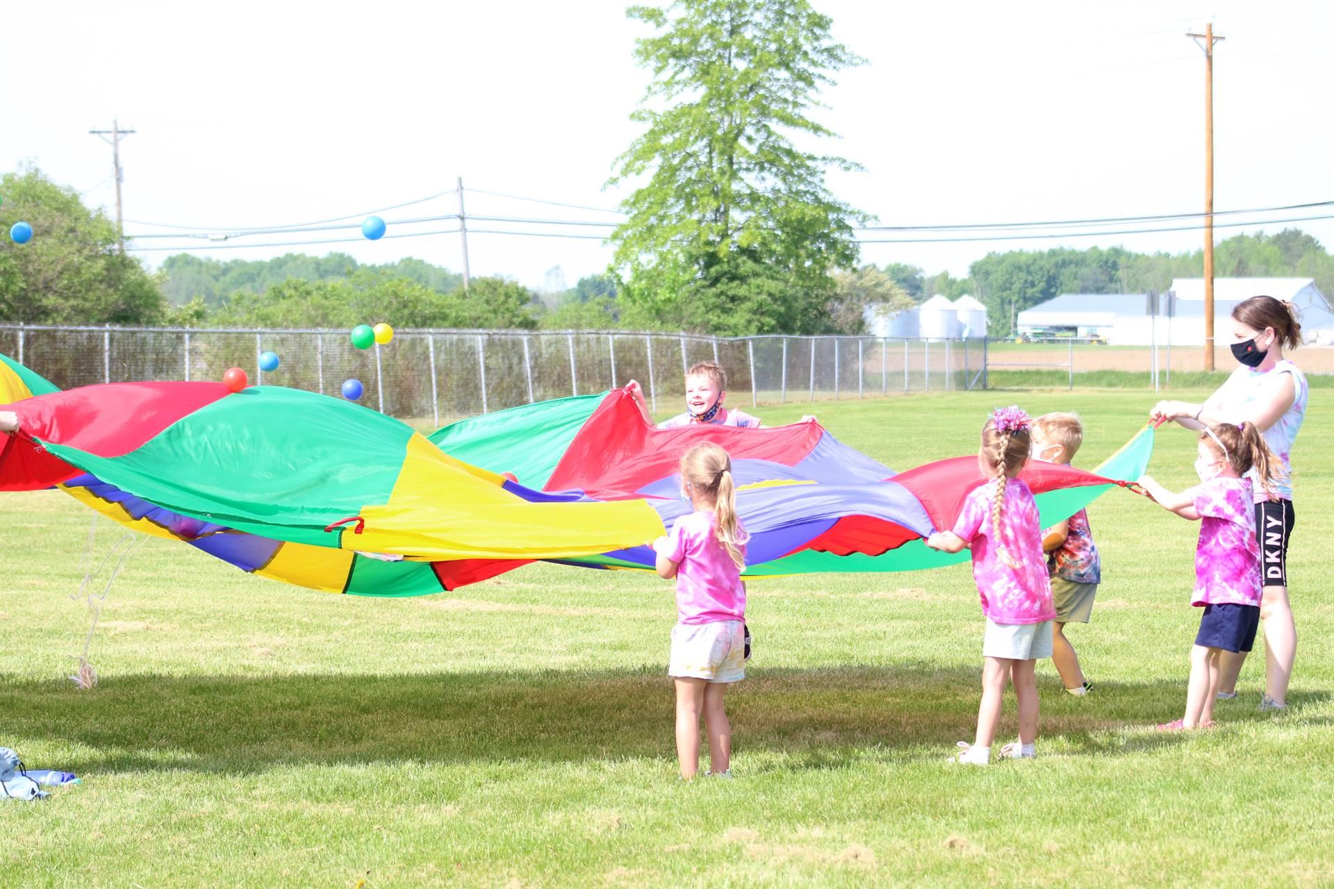 kids and parachute